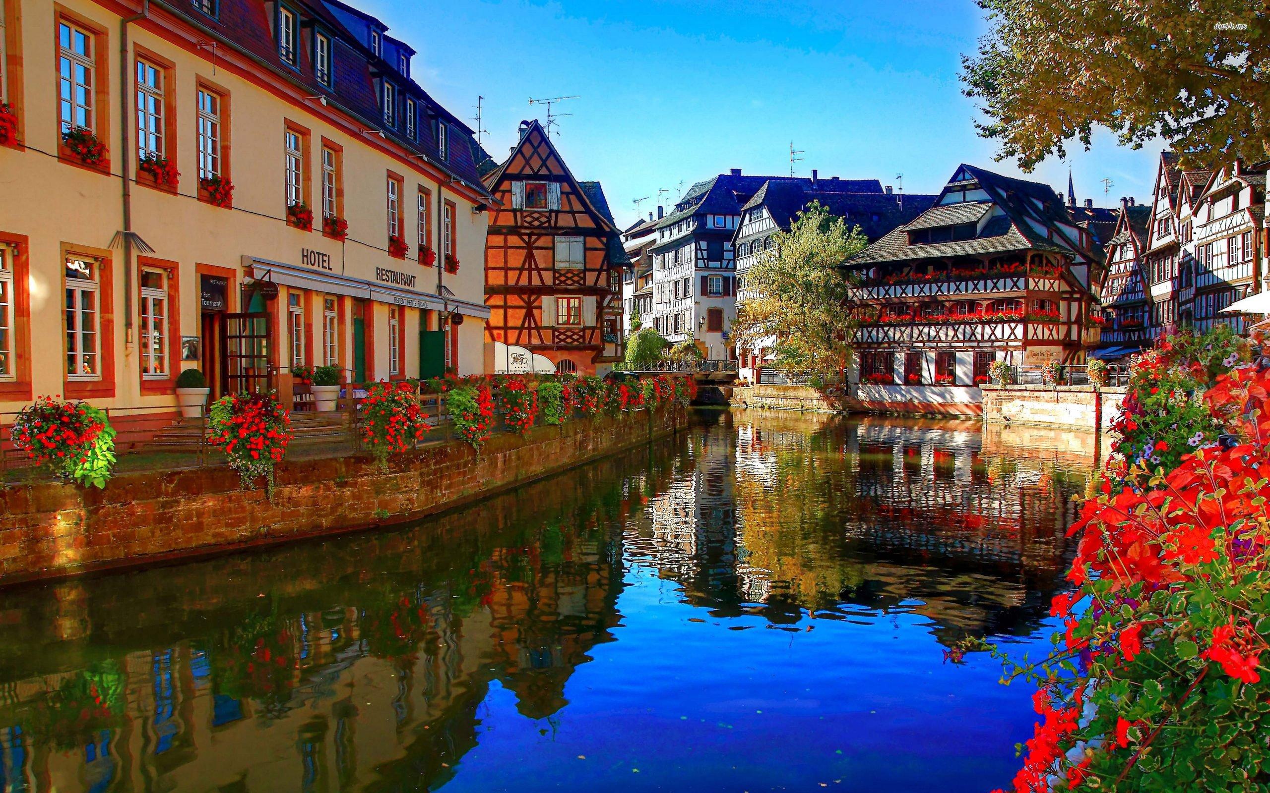 Photo d'un village strasbourgeois